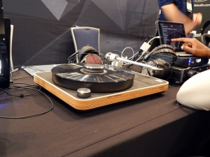 Clearaudio Concept Active Turntable/Headphone Amplifier