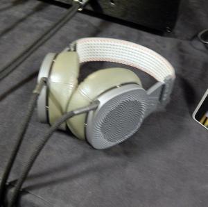 ABYSS DIANA Phi Premium Audiophile Planar Magnetic Headphone
