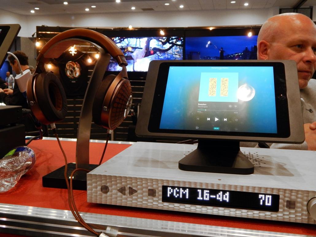 Focal Stellia Closed-Back Headphones, Mytek Manhattan DAC II Streaming DAC/Headphone Amplifier/Preamp