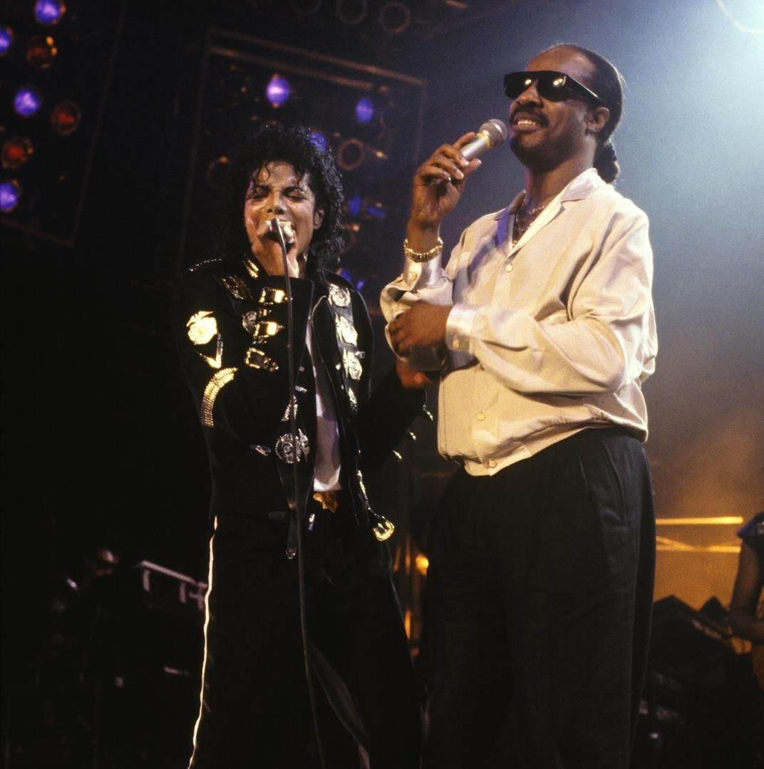 MJ and Stevie Wonder - Bad tour