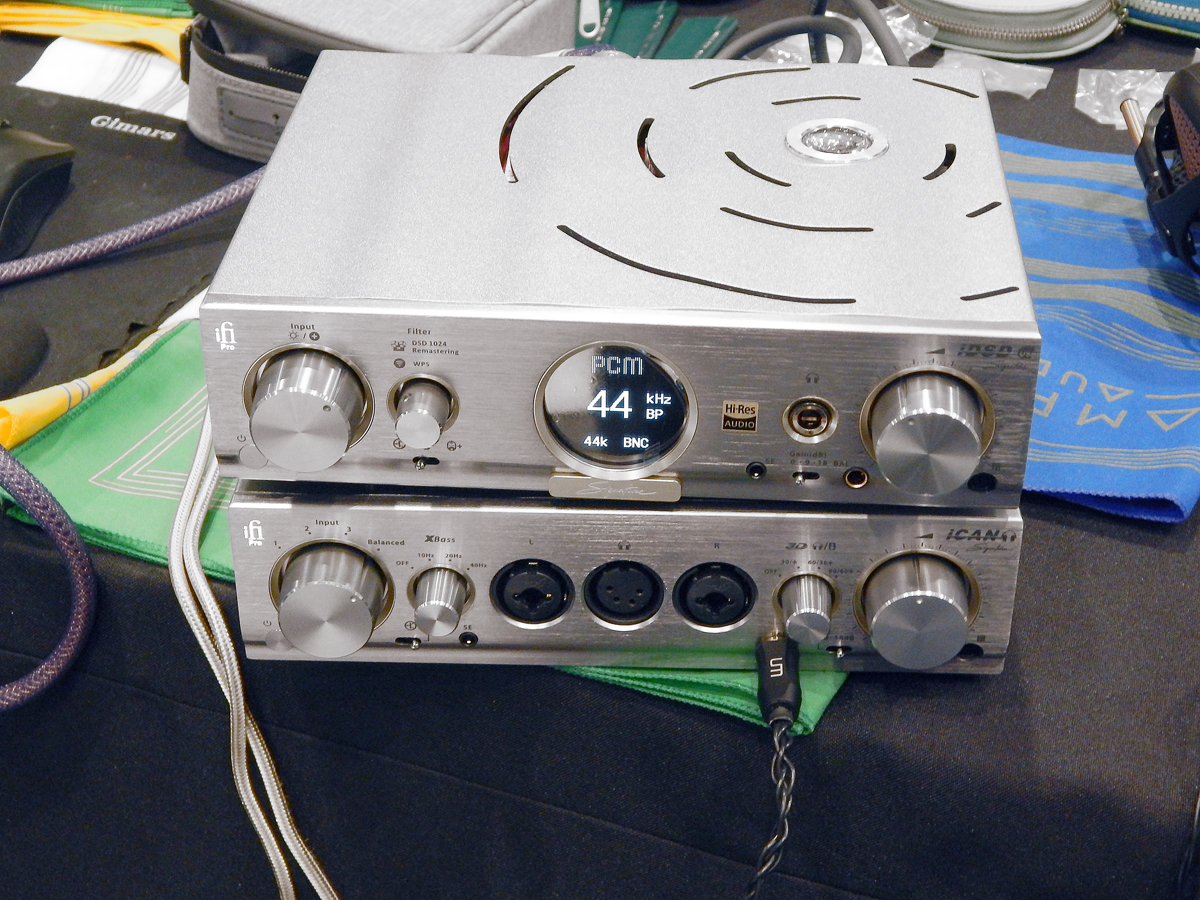 iFi Pro iDSD Signature DAC/Tube & Solid-State Headphone Amp and Streamer and  iFi Pro iCAN Signature Tube & Solid-State Headphone Amp CanJam SoCal 2021