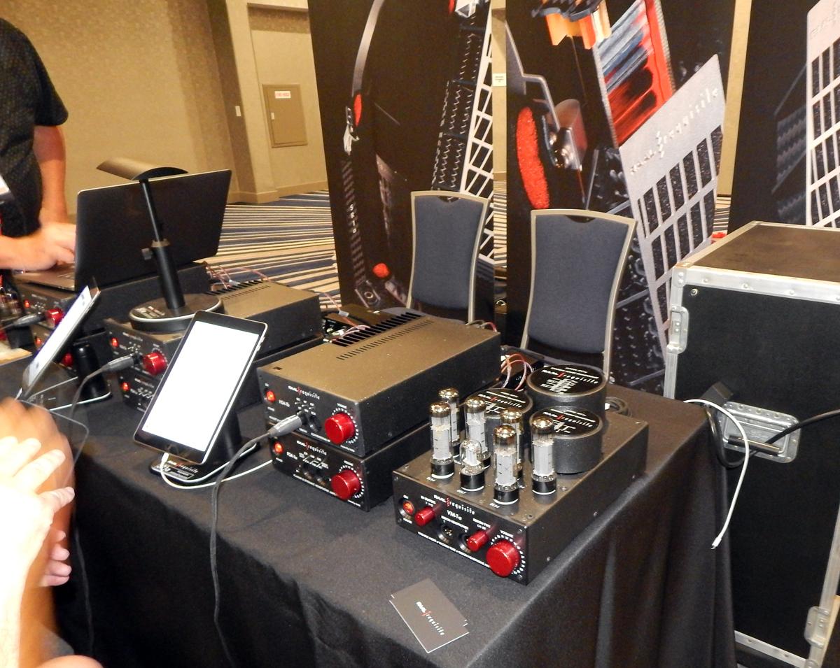 RAAL|Requisite HAS-1b, RAAL|Requisite VM-1a Variable Mode Vacuum Tube Ribbon Headphone Amp CanJam SoCal 2021